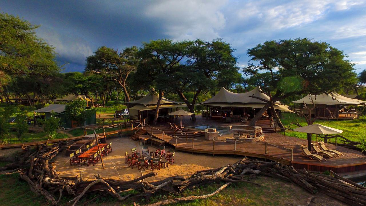 Family safari, Zimbabwe
