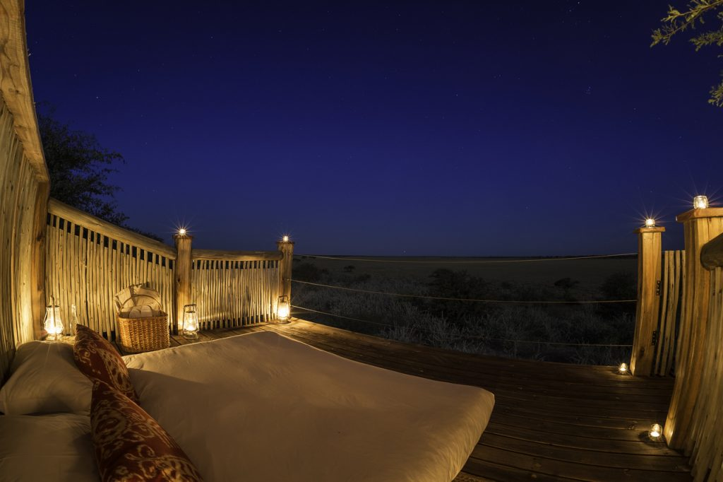 Made in Africa Tours & Safaris - Kalahari Plains star bed