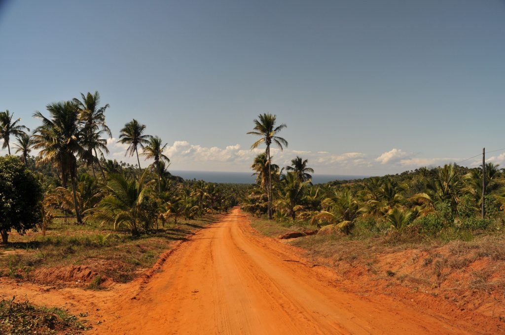 sunway_mozambique_road_bruce_ta_20140729_1158974115