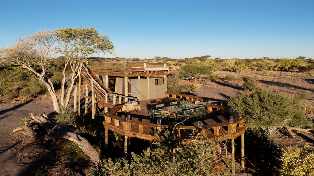 Botswana-Private-Reserve-Lodge-Safari---Skybeds-dinner-platform - Copy