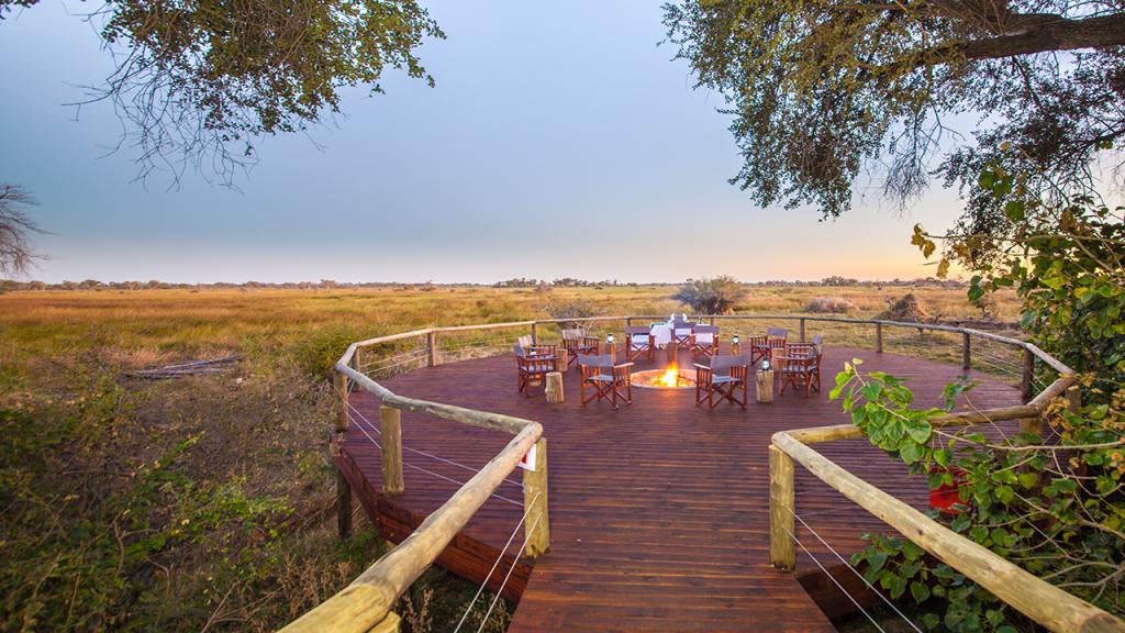 Botswana-Roundabout---Rra-Dianre-Camp-floodplain-viewing-deck