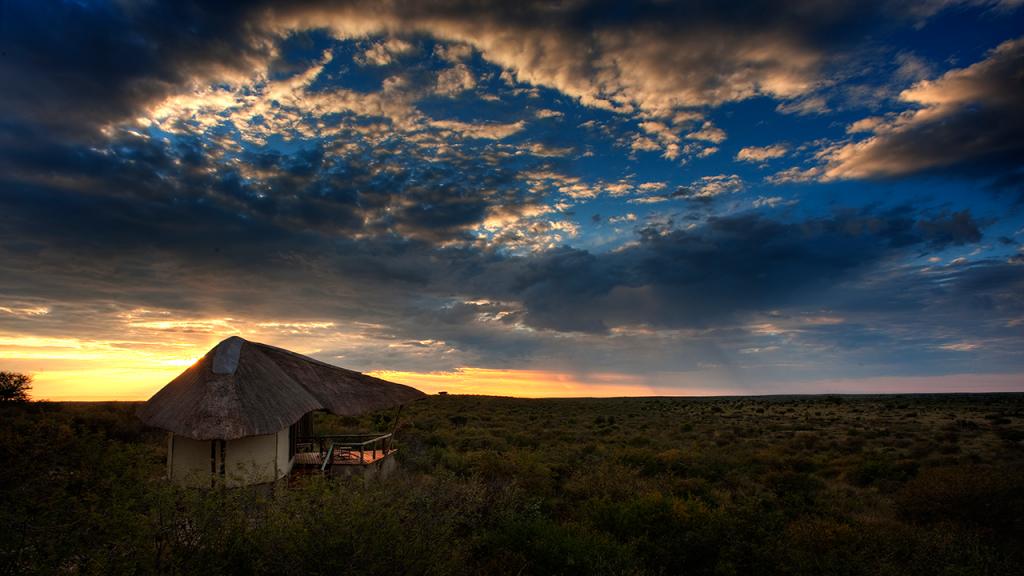 Botswana-Roundabout---Tau-Pan-Camp