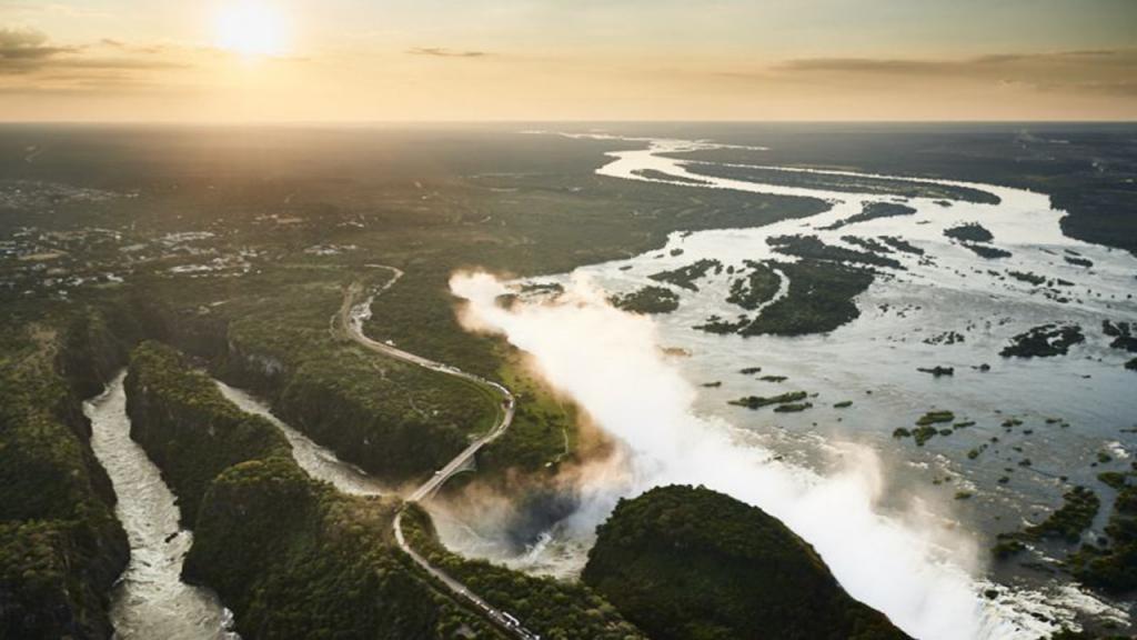 Botswana-Honeymoon-Safari---Victoria-Falls