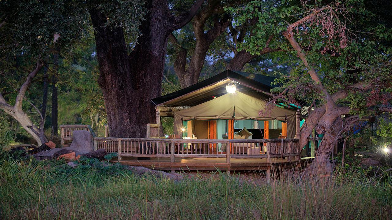 Pom-Pom-Camp-Safari-Tent---Made-in-Africa-privately-hosted-Botswana-Safari
