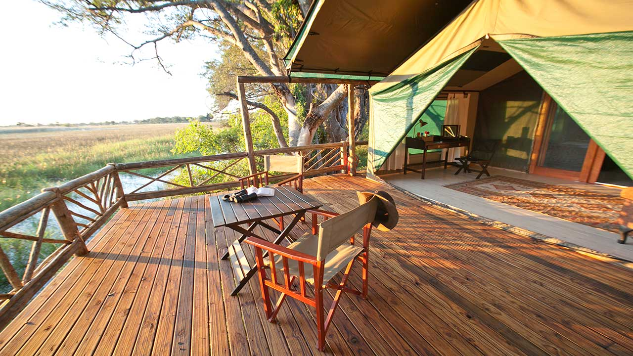 Pom-Pom-Camp-luxury-tent-balcony